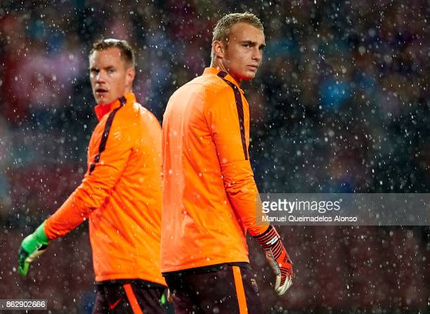 Jasper Cillessen of Barcelona looks on ahead of the UEFA Champions League group D match between FC Barcelona and Olympiakos Piraeus at Camp Nou on...