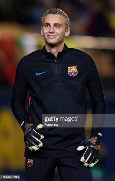 Jasper Cillessen of Barcelona warm up during the La Liga match between Villarreal and Barcelona at Estadio La Ceramica on December 10 2017 in...