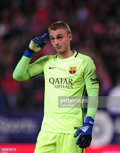 Jasper Cillessen of FC Barcelona reacts during the Copa del Rey Semifinal First Leg match between Atletico Madrid and FC Barcelona at Vincente...