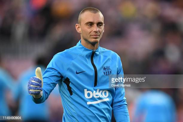 Jasper Cillessen of FC Barcelona warms up prior to the La Liga match between FC Barcelona and Levante UD at Camp Nou on April 27 2019 in Barcelona...