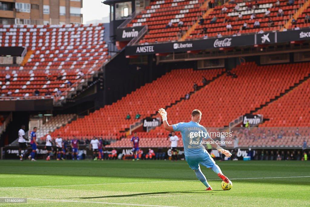 Valencia CF v SD Eibar - La Liga Santander : News Photo