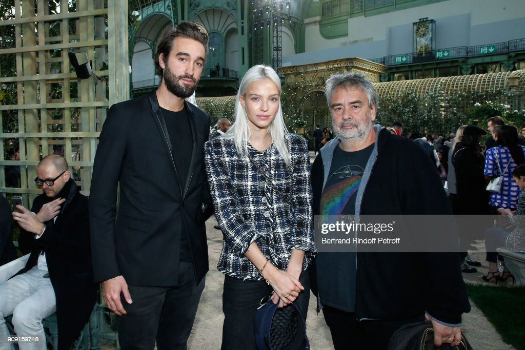Chanel : Front Row - Paris Fashion Week - Haute Couture Spring Summer 2018 : News Photo