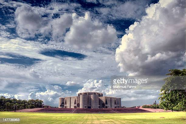 jatiya sangsad bhaban - national landmark stock pictures, royalty-free photos & images