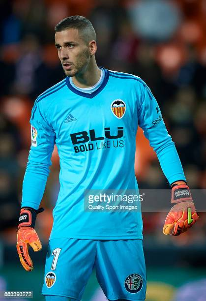 Jaume Domenech of Valencia reacts during the Copa Del Rey match between Valencia and Zaragoza at Mestalla Stadium on November 30 2017 in Valencia...