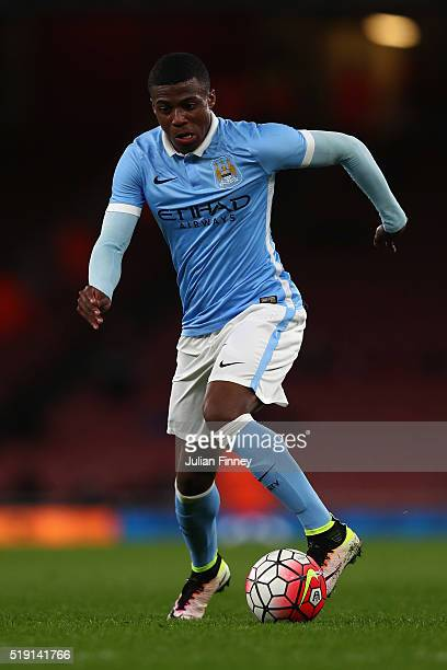 Javairo Dilrosun of Man City in action during the FA Youth Cup semifinal second leg match between Arsenal and Manchester City at Emirates Stadium on...