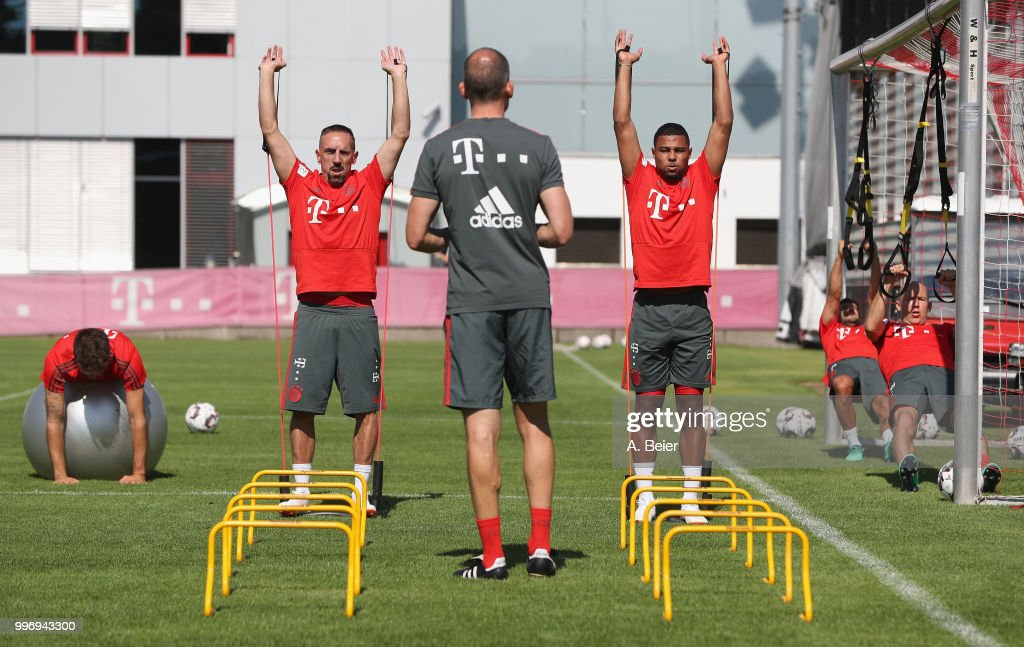 Javi Martinez, Franck Ribery, Serge Gnabry, Juan Bernat and Arjen Robben (L-R) of FC Bayern Muenchen practice during a training session at the club's Saebener Strasse training ground on July 12, 2018 in Munich, Germany.
