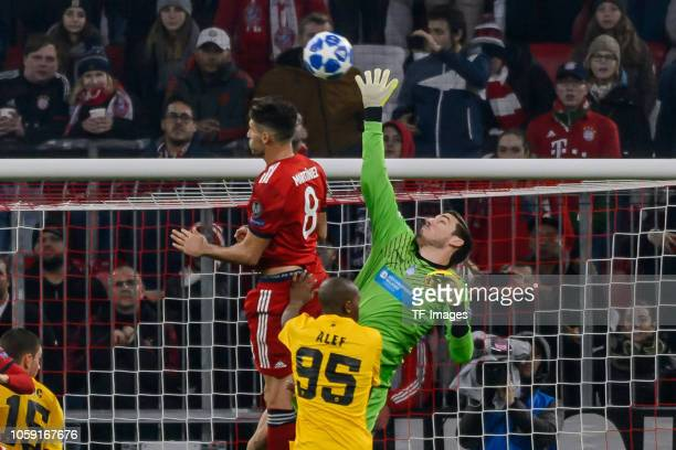 Javi Martinez of Bayern Muenchen Alef Saldanha of AEK Athens and goalkeeper Vassilis Barkas of AEK Athens battle for the ball during the Group E...