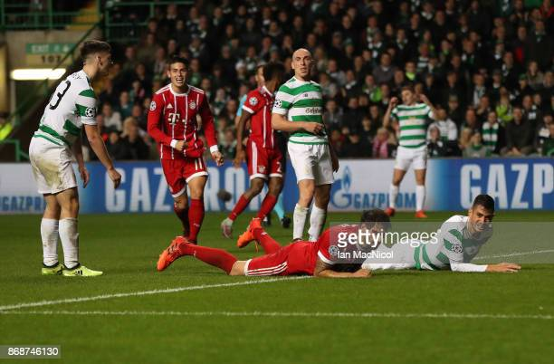 Javi Martínez of Bayern Munich scores his team's sec ond goal during the UEFA Champions League group B match between Celtic FC and Bayern Muenchen at...