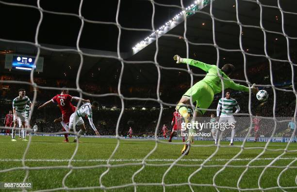 Javi Martínez of Bayern Munich scores his team's second goal during the UEFA Champions League group B match between Celtic FC and Bayern Muenchen at...