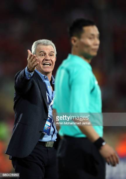 Javier Aguirre head coach of Al Wahda reacts during the AFC Asian Champions League match between Persepolis and Al Wahda on May 8 2017 in Tehran Iran