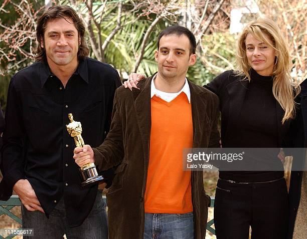 Javier Bardem Alejandro Amenabar director and Belen Rueda winners Best Foreign Film for The Sea Inside