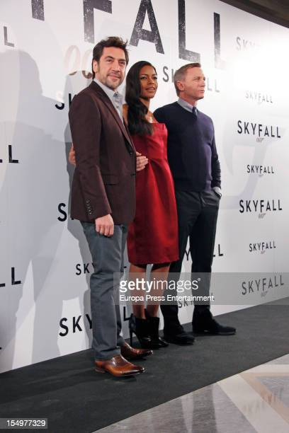 Javier Bardem, Naomie Harris and Daniel Craig attend 'Skyfall' photocall at Villamagna Hotel on October 29, 2012 in Madrid, Spain.