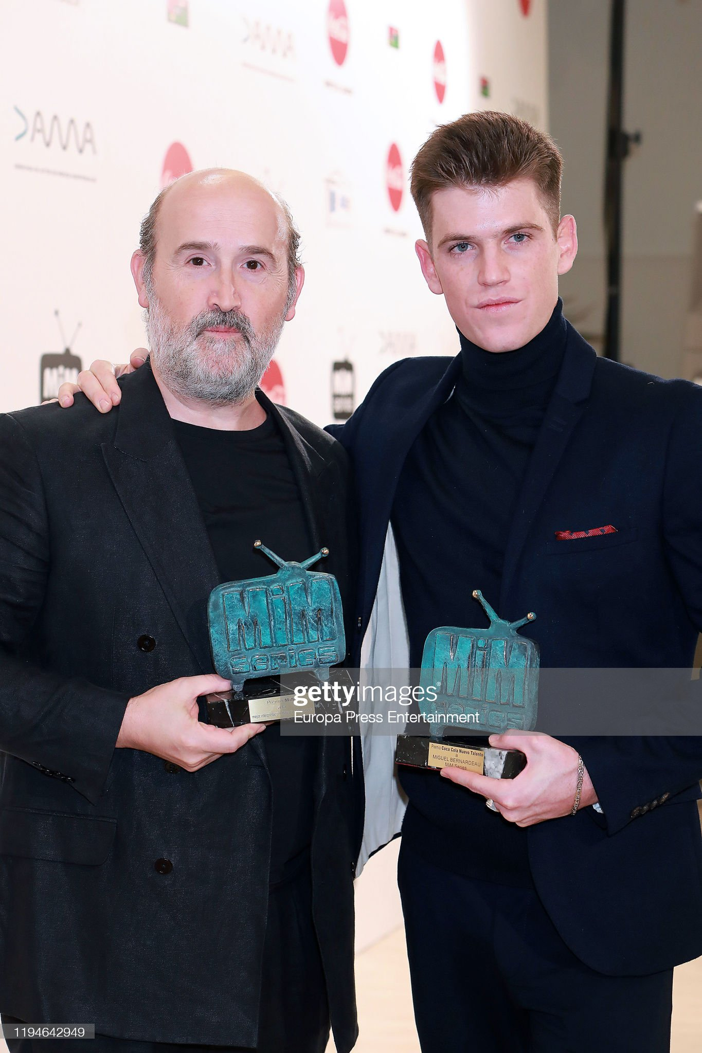 ¿Cuánto mide Miguel Bernardeau?  - Altura: 1,79 Javier-camara-and-miguel-bernardeau-attend-mim-awards-2019-at-hotel-picture-id1194642949?s=2048x2048