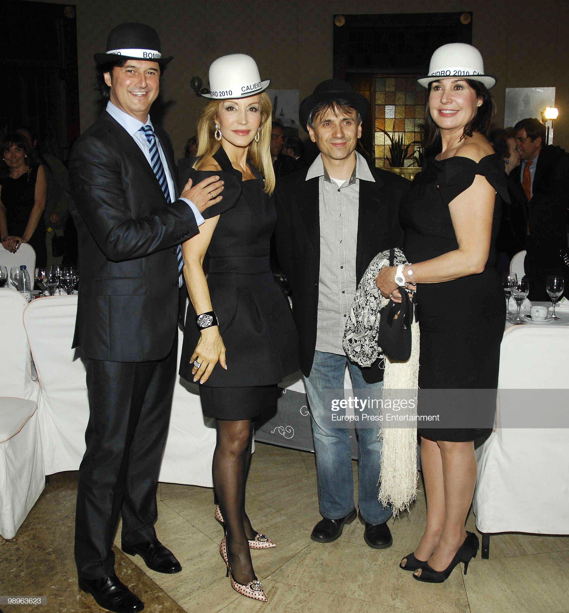 ¿Cuánto mide Carmen Lomana? - Altura Javier-castillo-poty-carmen-lomana-jose-mota-and-carmen-martinez-picture-id98963623?s=2048x2048
