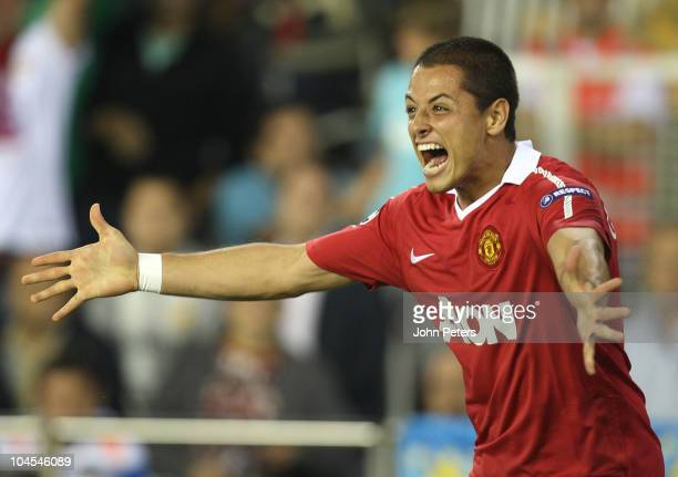 """Javier """"Chicharito"""" Hernandez of Manchester United celebrates scoring their first goal during the UEFA Champions League Group C match between..."""