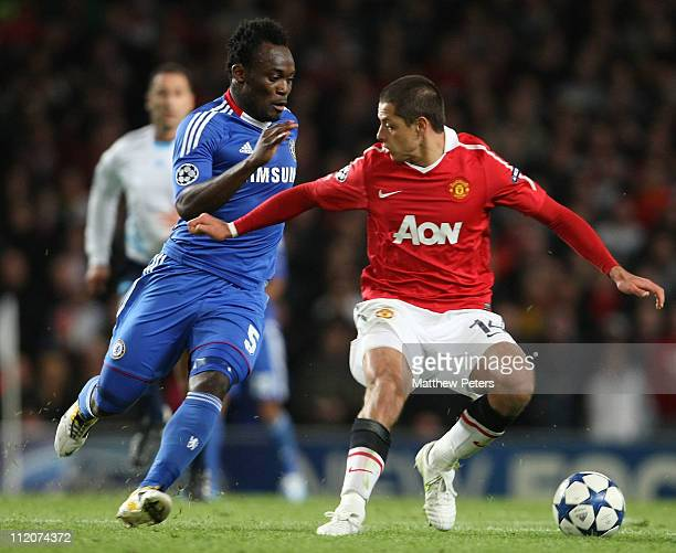Javier 'Chicharito' Hernandez of Manchester United clashes with Michael Essien of Chelsea during the UEFA Champions League QuarterFinal second leg...