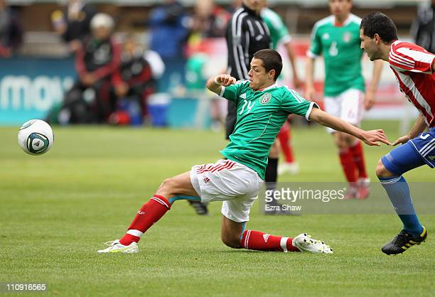 Javier 'Chicharito' Hernandez of Mexico goes for the ball their international friendly match against Paraguay at OaklandAlameda County Coliseum on...