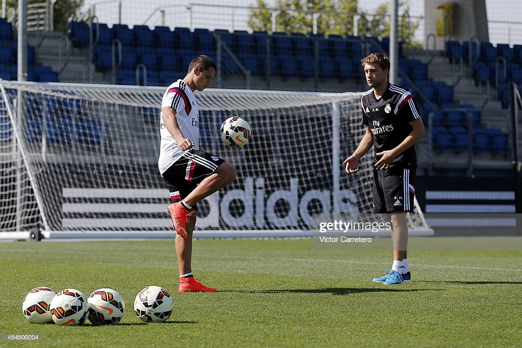 Javier 'Chicharito' Hernandez (L) of Real Madrid exercises during a training session at Valdebebas training ground on September 2, 2014 in Madrid, Spain.