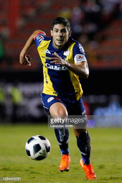 Javier Guemez of Atletico San Luis drives the ball during the second-round match against Queretaro in the Torneo Grita Mexico A21 Liga MX at Estadio...