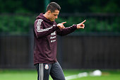 moscow russia javier hernandez mexico gestures