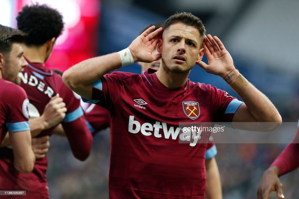 West Ham United v Huddersfield Town - Premier League : News Photo
