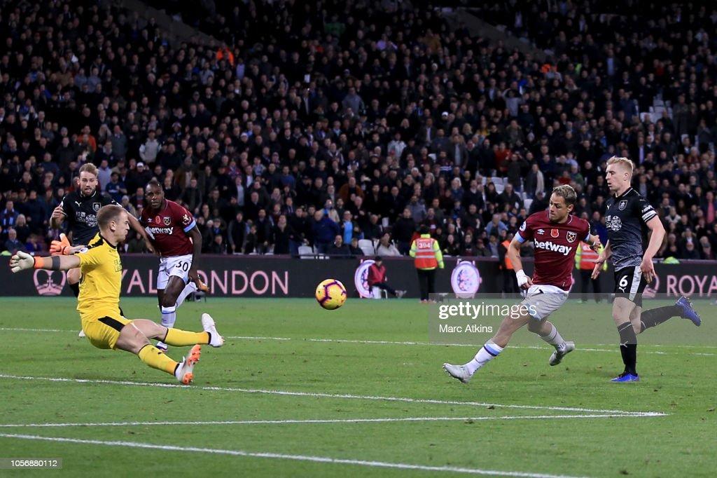 West Ham United v Burnley FC - Premier League : Fotografía de noticias