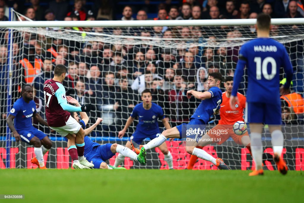 Javier Hernandez of West Ham United scores their first goal during the Premier League match between Chelsea and West Ham United at Stamford Bridge on April 8, 2018 in London, England.