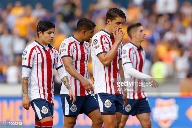Javier Lopez Miguel Ponce Josecarlos Van Rankin and Isaac Brizuela of Chivas leave the field at halftime during the 17th round match between Tires...