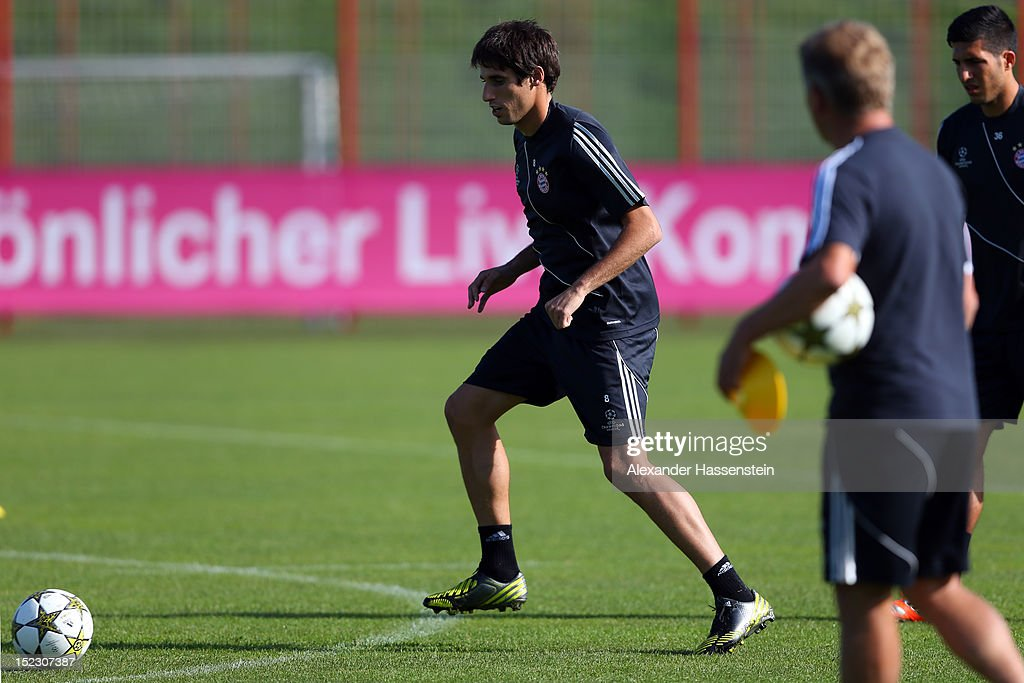 Javier Martinez plays with the ball during a FC Bayern Muenchen training session ahead of their UEFA Champions League group F match against Valencia CF at the Saebener Strasse training ground on September 18, 2012 in Munich, Germany.