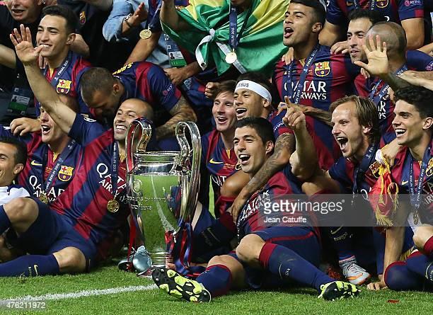 Javier Mascherano Lionel Messi Neymar Jr Luis Suarez Ivan Rakitic of Barcelona celebrate the victory after the UEFA Champions League Final between...
