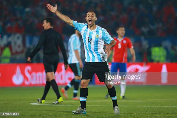 Javier Mascherano of Argentina reacts during the 2015 Copa America Chile Final match between Chile and Argentina at Nacional Stadium on July 04 2015...