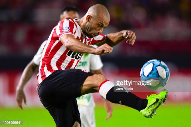 Javier Mascherano of Estudiantes controls the ball during a match between Estudiantes and Defensa y Justicia as part of Superliga 2019/20 at Jorge...