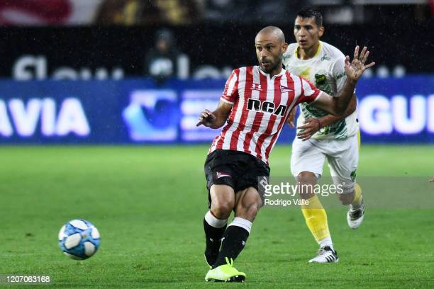 Javier Mascherano of Estudiantes kicks the ball during a match between Estudiantes and Defensa y Justicia as part of Superliga 2019/20 at Jorge Luis...