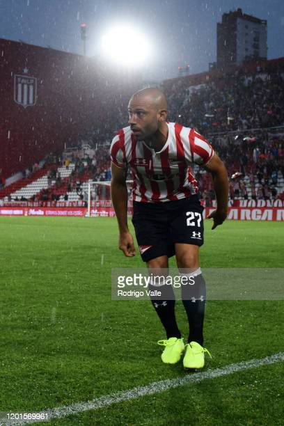 Javier Mascherano of Estudiantes looks on during a match between Estudiantes and Defensa y Justicia as part of Superliga 2019/20 at Jorge Luis...