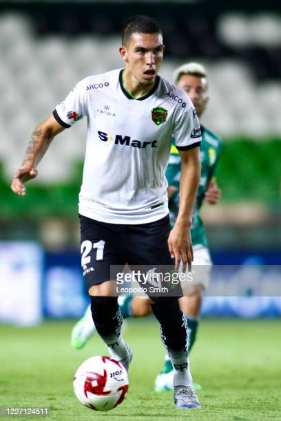Javier Navarez of FC Juarez controls the ball during a match between Leon and FC Juarez as part of the friendly tournament Copa Telcel at Leon...
