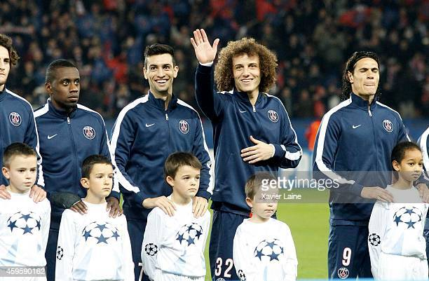 Javier Pastore and David Luiz of Paris SaintGermain pose before the UEFA Champions League between Paris SaintGermain FC and Ajax Amsterdam FC at Parc...