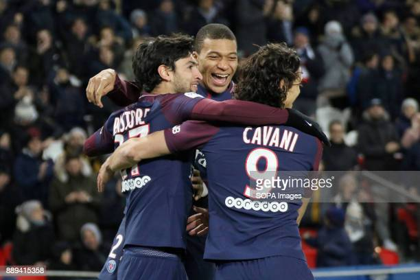 Javier Pastore Kylian Mbappe and Edinson Cavani during the French Ligue 1 soccer match between Paris Saint Germain and Lille at Parc des Princes