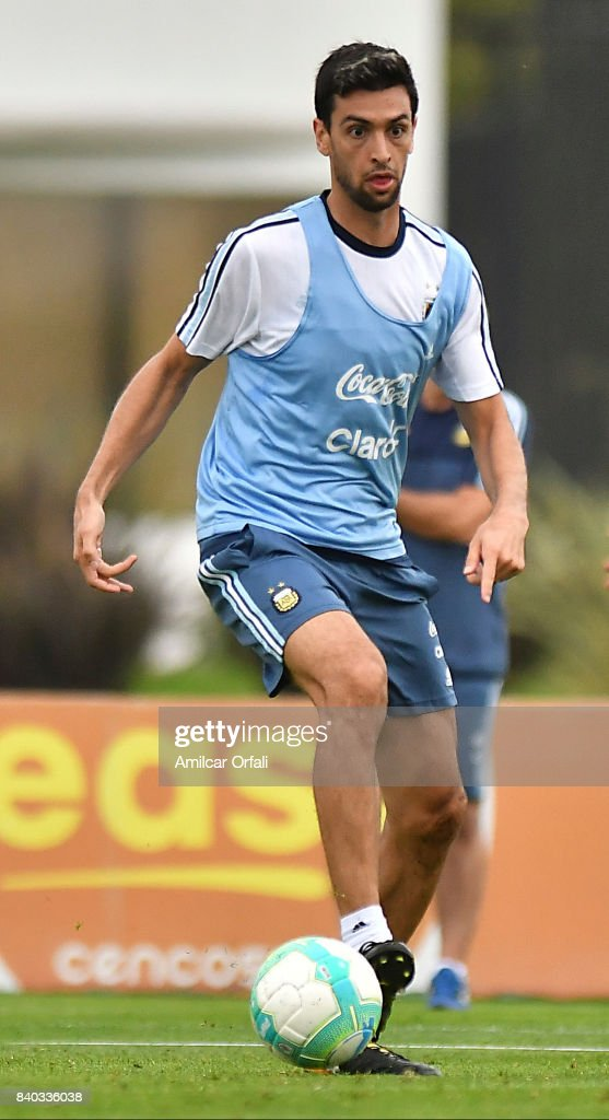 Javier Pastore of Argentina drives the ball during a training session at 'Julio Humberto Grondona' training camp on August 28, 2017 in Ezeiza, Argentina.