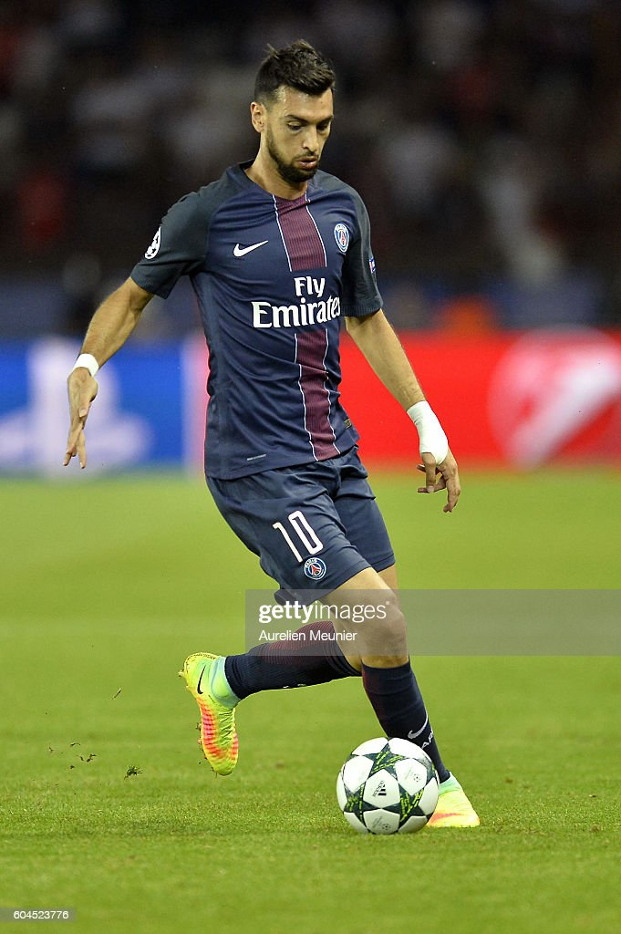 Javier Pastore of Paris Saint-Germain runs with the ball during the Champion's League match against Arsenal FC at Parc des Princes on September 13, 2016 in Paris, France.