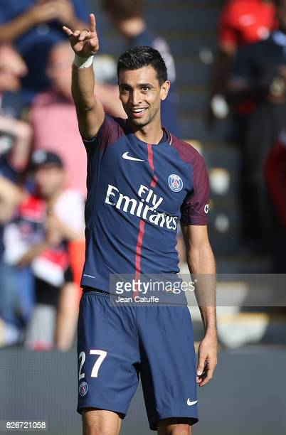 Javier Pastore of PSG celebrates his goal during the French Ligue 1 match between Paris Saint Germain and Amiens SC at Parc des Princes on August 5...