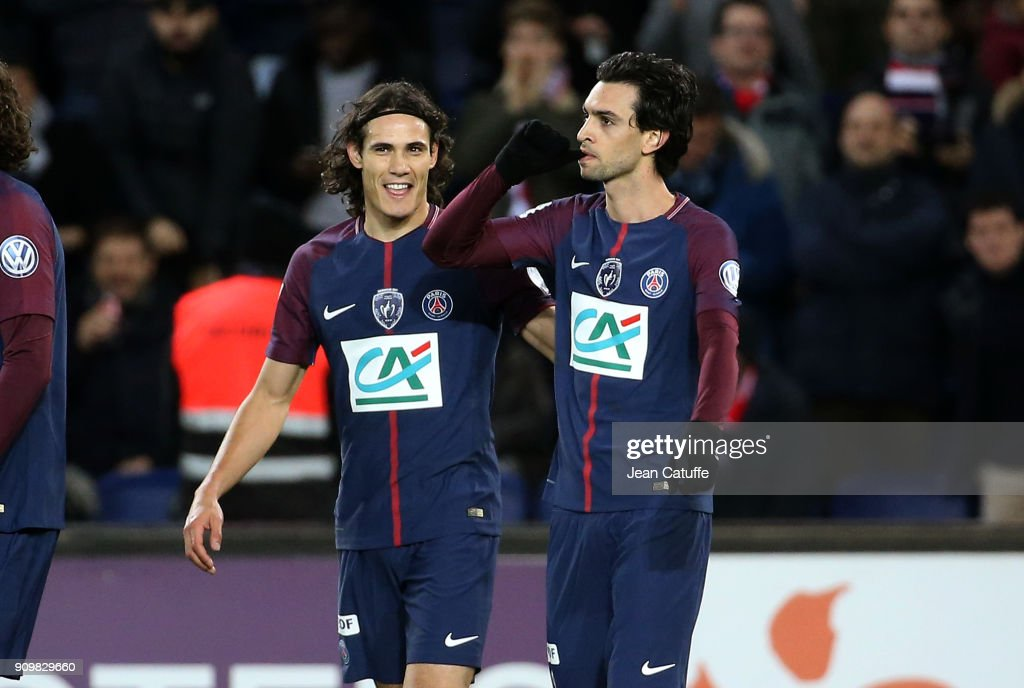 Javier Pastore of PSG celebrates his goal with Edinson Cavani (left) during the French National Cup match (Coupe de France) between Paris Saint Germain (PSG) and En Avant Guingamp at Parc des Princes on January 24, 2018 in Paris, France.