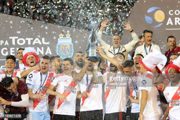 Javier Pinola and Leonardo Ponzio of River Plate lift the trophy to celebrate after the final of Copa Argentina 2019 between Central Cordoba and...