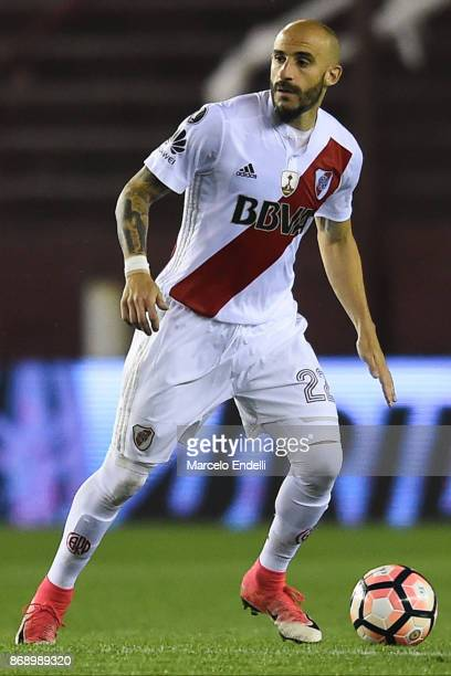 Javier Pinola of River Plate drives the ball during a second leg match between Lanus and River Plate as part of the semifinals of Copa CONMEBOL...