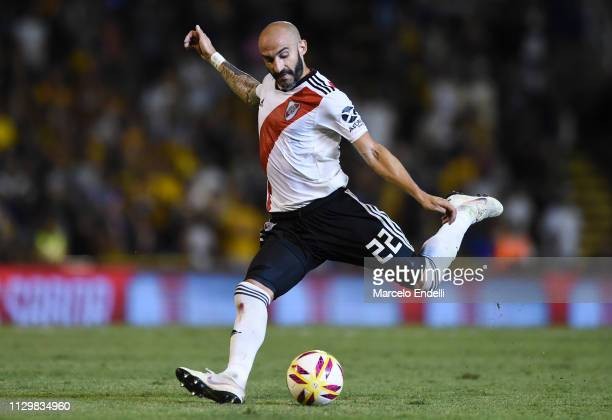 Javier Pinola of River Plate kicks the ball during a match between Rosario Central and River Plate as part of Superliga 2018/19 at Estadio Gigante de...