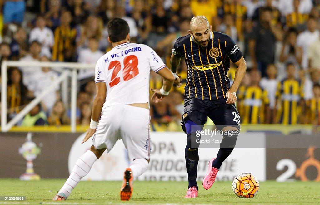 Rosario Central v Nacional - Copa Bridgestone Libertadores 2016