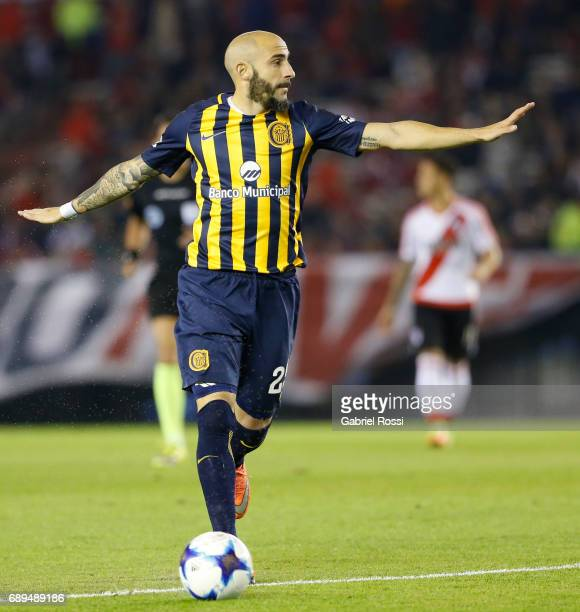 Javier Pinola of Rosario Central in action during a match between River Plate and Rosario Central as part of Torneo Primera Division 2016/17 at...