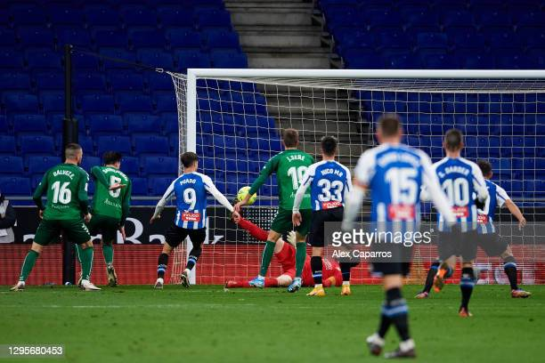 Javier Puado of RCD Espanyol scores his team's second goal during the LaLiga SmartBank match between RCD Espanyol and CD Castellon at RCDE Stadium on...