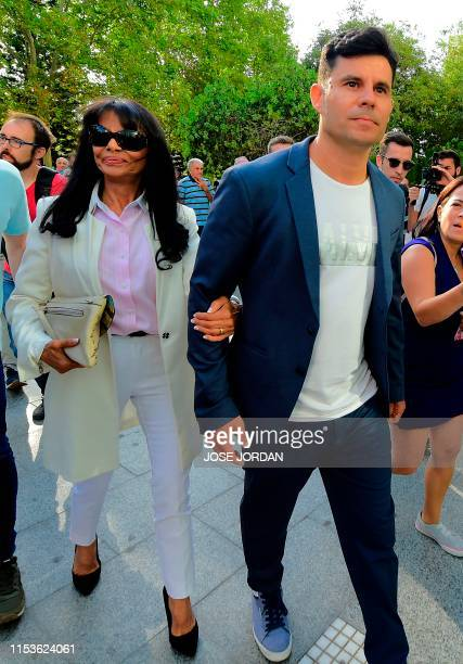 Javier Sanchez Santos, who claims to be the son of Spanish crooner Julio Iglesias, arrives with his mother Maria Edite Santos to appear to the court...