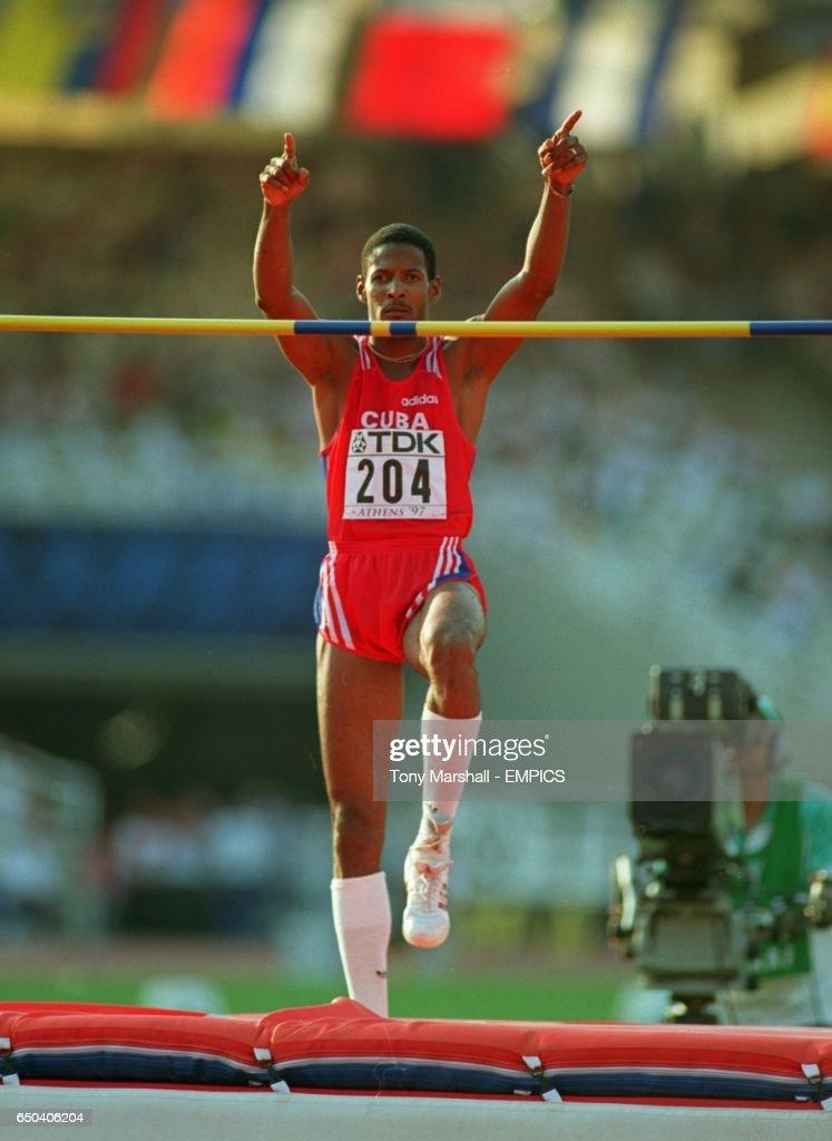 Athletics - Sixth IAAF World Championships - Athens 1997 - Men's High Jump Final : News Photo