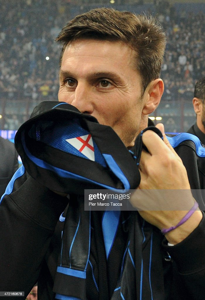 Javier Zanetti celebrates retirement ceremony of the jersey number 4 by the team of 'FC Internazionale at the end of the the Zanetti and friends Match for Expo at Stadio Giuseppe Meazza on May 4, 2015 in Milan, Italy.